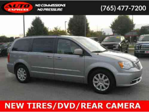 2014 Chrysler Town & Country Touring FWD DVD 3rd Row 2nd Row Buckets 17 Alloys