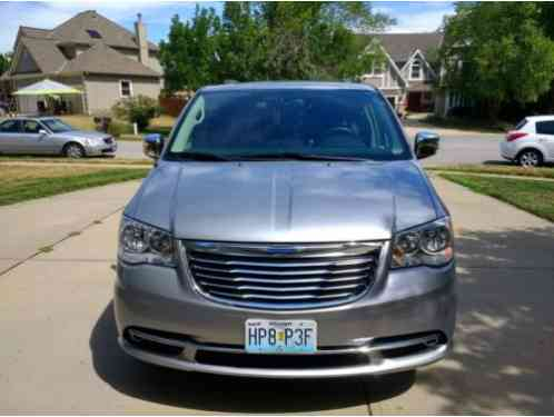 Chrysler Town & Country Touring L (2015)