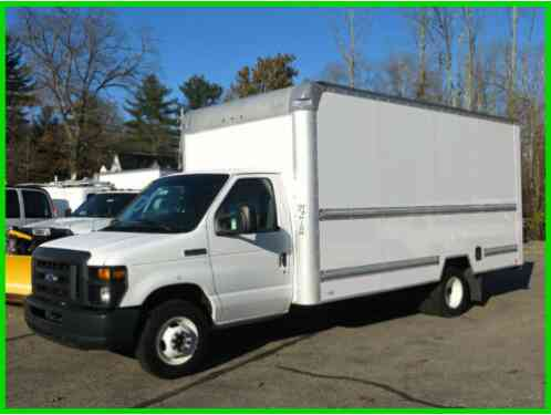 Ford E-Series Van 16' BOX w/ RAMP (2015)