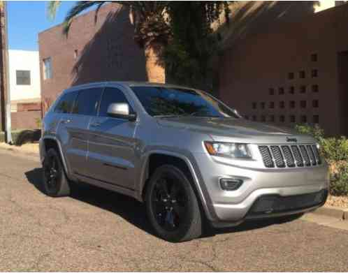 Jeep Grand Cherokee Altitude (2015)