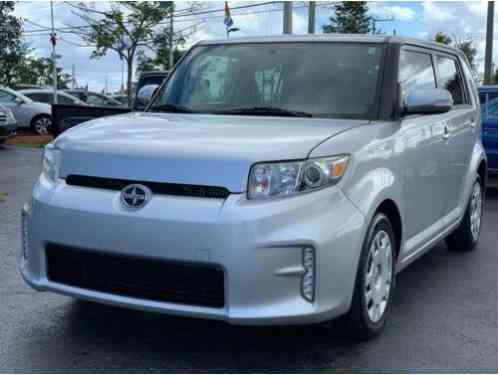 Scion xB Base 4dr Wagon 4A (2015)