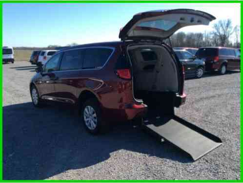2018 Chrysler Pacifica L Wheelchair Handicap Accessible