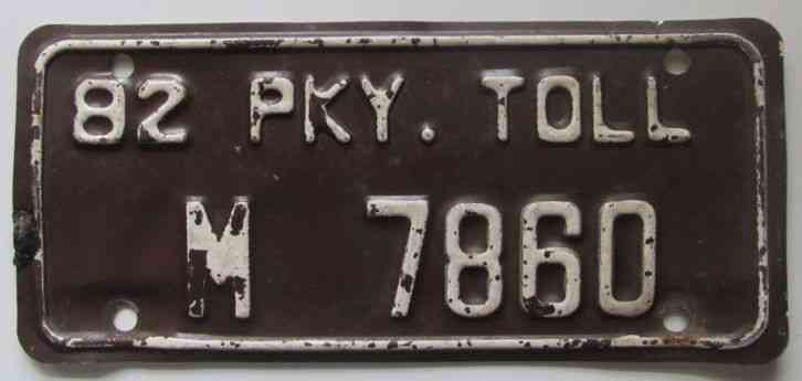 Connecticut 1982 PARKWAY TOLL License Plate # M 7860