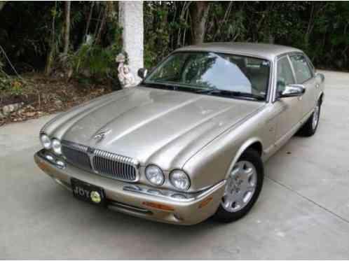 Beautiful 2001 Jaguar XJ8 Vanden Plas