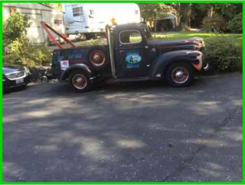 1948 International Harvester KB1 Tow Truck