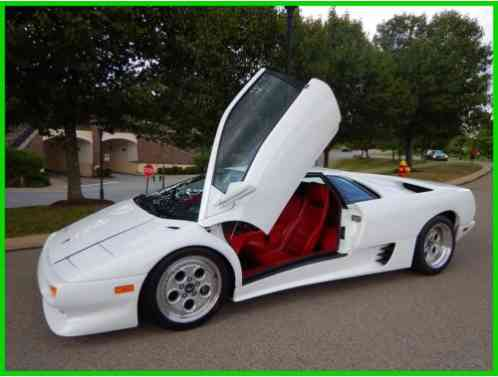 Lamborghini Diablo Lamborghini Diablo Coupe White 7k Miles 1991