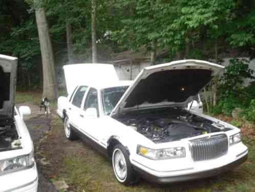 Lincoln Town Car 1995 This Has Many New Parts Headliner Plugs Wires