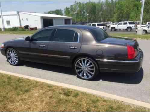 Lincoln Town Car 2006 Vehicle Is Flawless All Around New 22s With