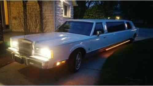 Lincoln Town Car 1989 Old School Limousine With 18k Original Miles