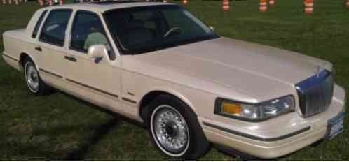Lincoln Town Car Executive 1996 With 94k This Was My Fathers Pride And