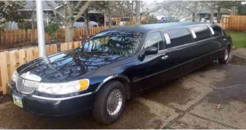 Lincoln Town Car Limousine 2000 This Would Be An Excellent For Someone