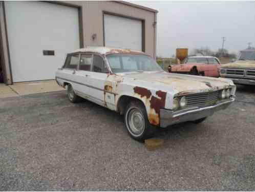 Oldsmobile STATION WAGON AMBULANCE (1963)