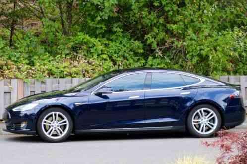 Tesla Model S 85 2013 In Tunning Metallic Blue With 45 000