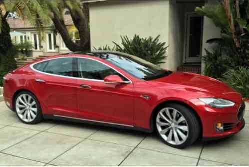 Tesla Model S P85 2013 Fully Loaded Mint Condition